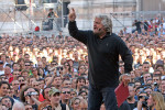 BEPPE GRILLO,V-DAY IN 15MILA IN PIAZZA A BOLOGNA