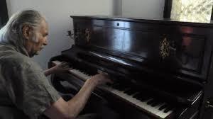 Gigi Pedroli al pianoforte